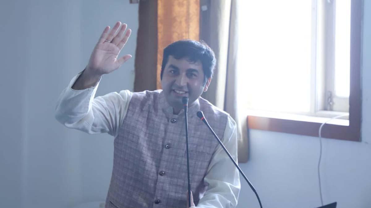 Jitendra Khimlani aka jitubhaiya